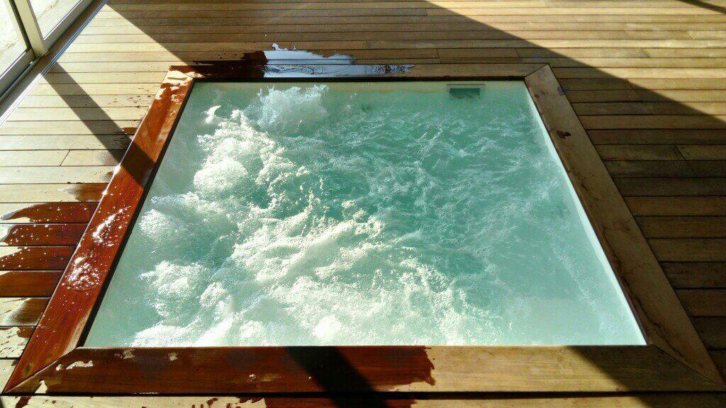 Spa aquavague piscines votre constructeur de piscines for Piscine coque polyester isere